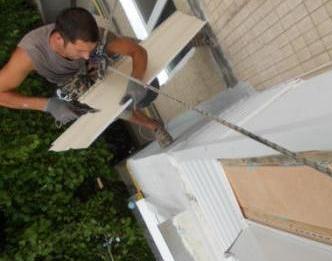 Обшивка балконов сайдингом снаружи. наружная обшивка балкона.